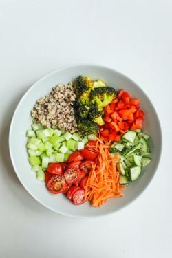 photo-of-sliced-vegetables-on-ceramic-pl