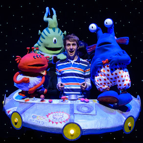 Aliens Love Underpants land on stage