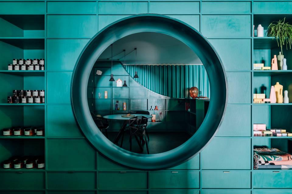 BANEMA salonas Lisabonoje, HI-MACS® Evergreen