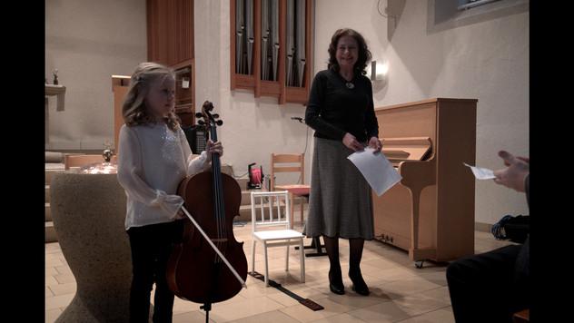 Michellle Gutbrod, Violoncello