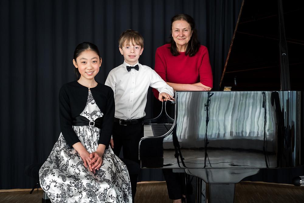 Lydia Gleim und ihre preisgekrönten Klavierschüler