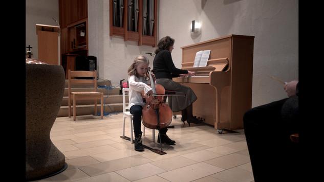 Michelle Gutbrod, Violoncello