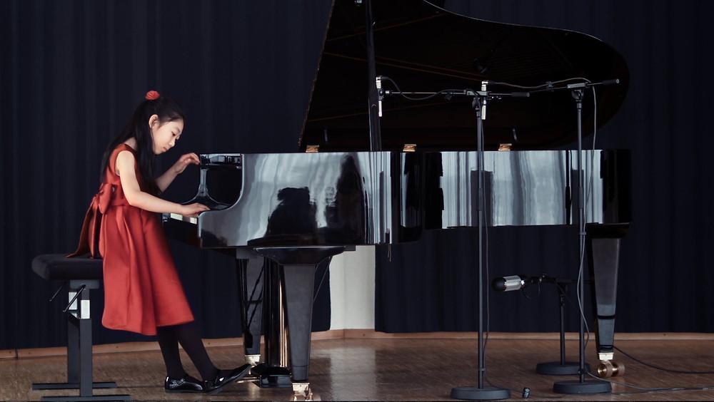 Hanming Deng, Preisträgerin des Tonkünstler-Wettbewerbs