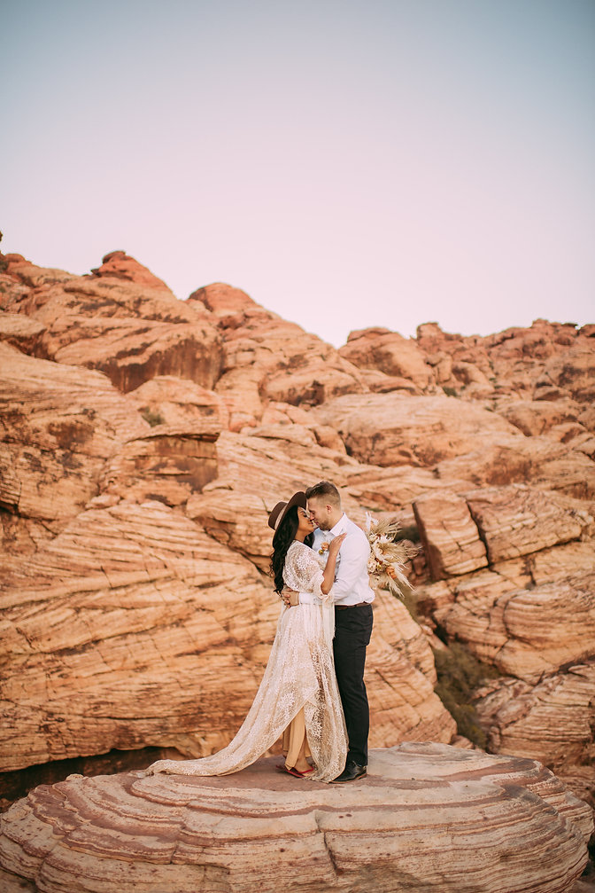 Red Rock Canyon NV | Elopement - Wedding Photographer