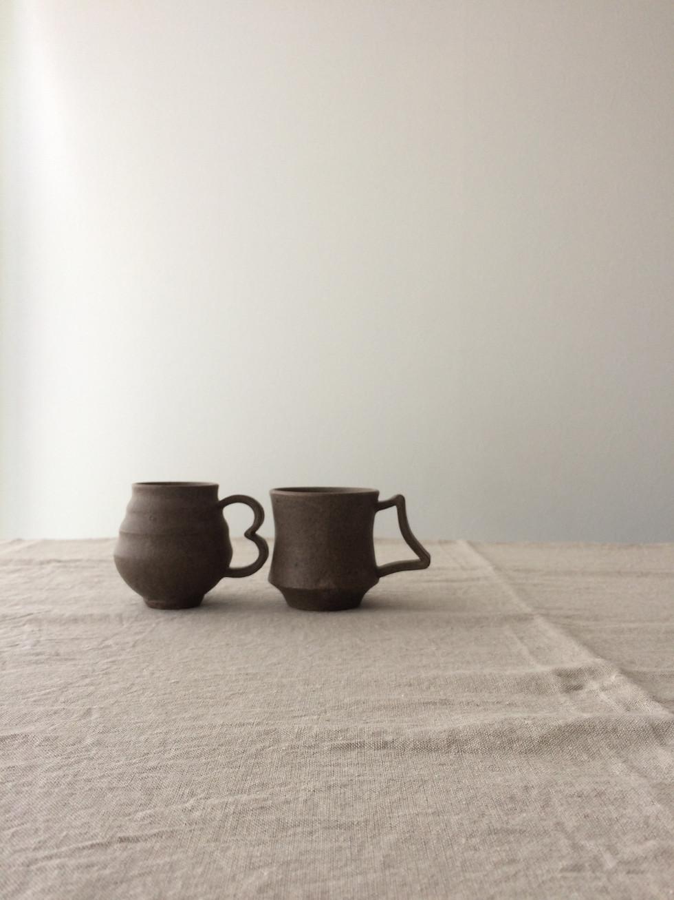 mug M