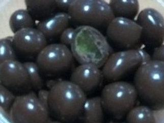Ананас в шоколадной глазури