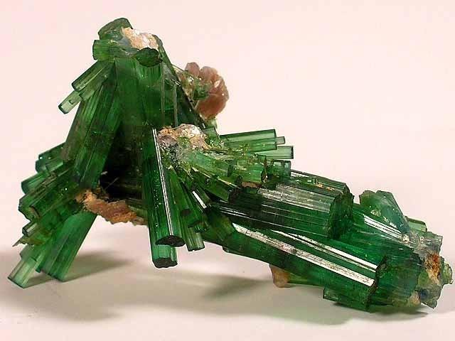 Cristal de Turmalina Verde