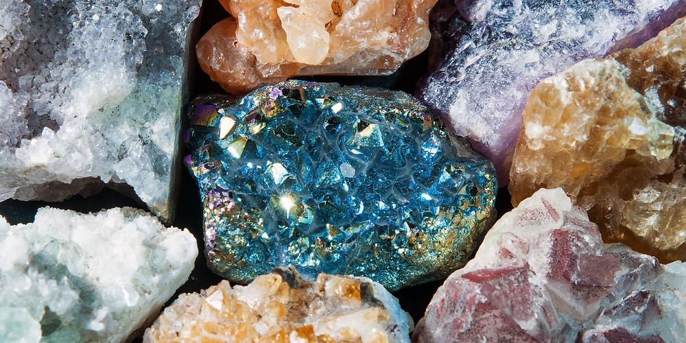 Sonhar com pedras: o que significa.