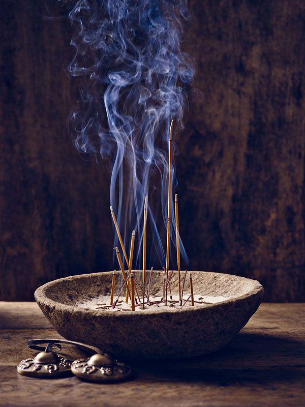 Incenso de canela queimando