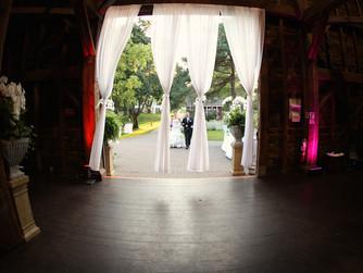 Barn Weddings - Highlights