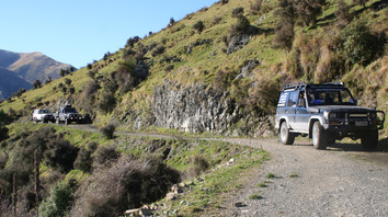 Four-Wheel-Drive-Tours_Tag-along