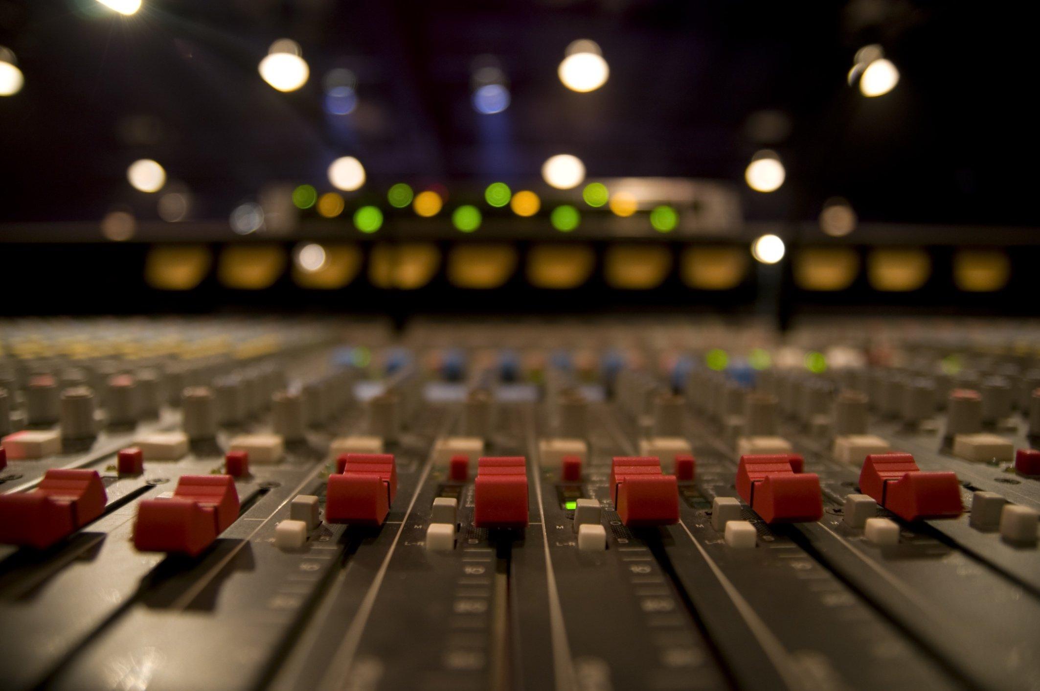 Recording_studio_Getty (2 2.jpg