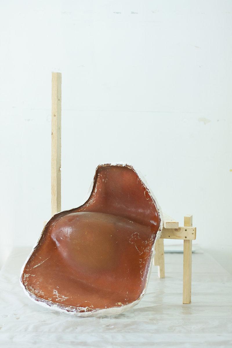 preshape dead sidechair wood Bert Loesch