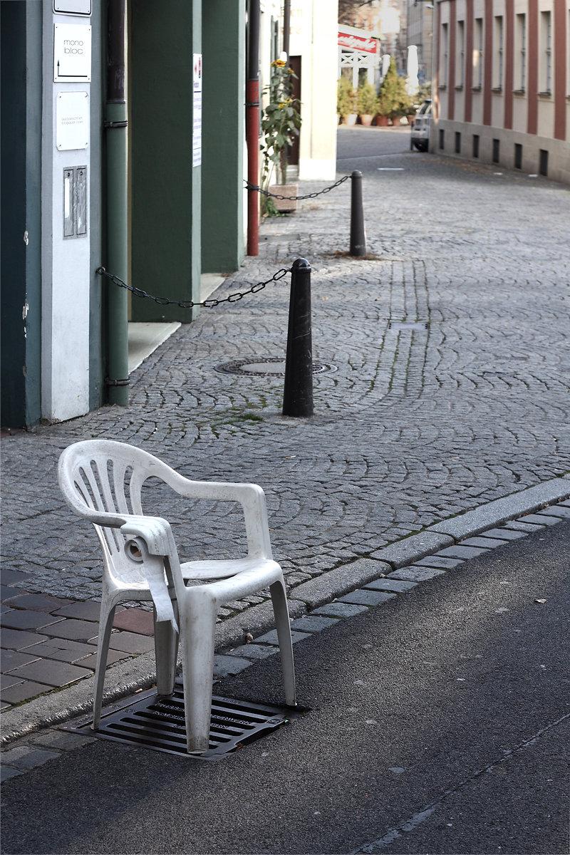 Urban Toilet Bert Loeschner Monobloc