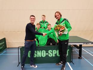 Het 2e jeugd team van G.T.C. blij met nieuwe sponsor.                                (Marco Wonen Ma