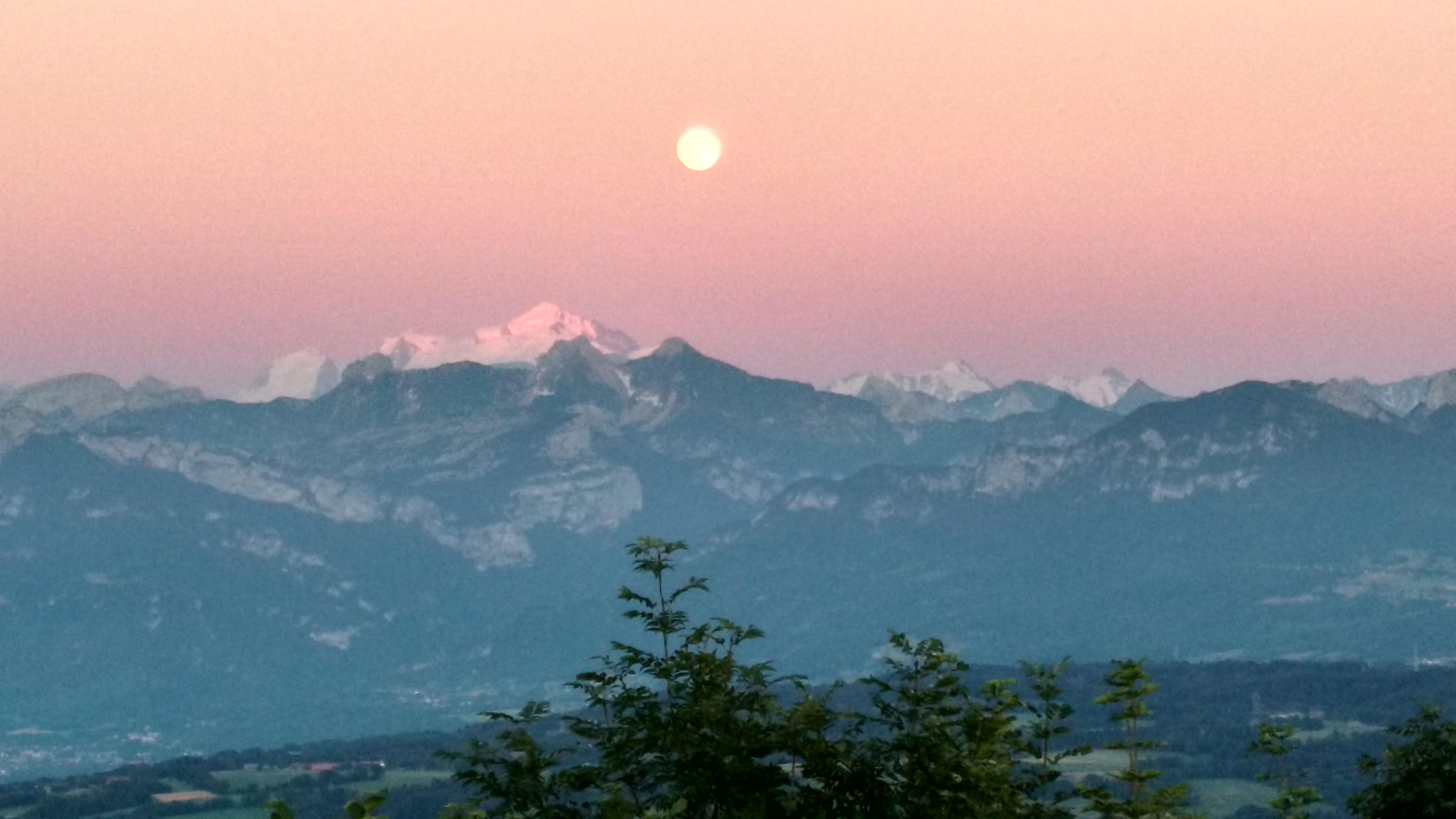 Lever de Lune sur la Mt Blanc