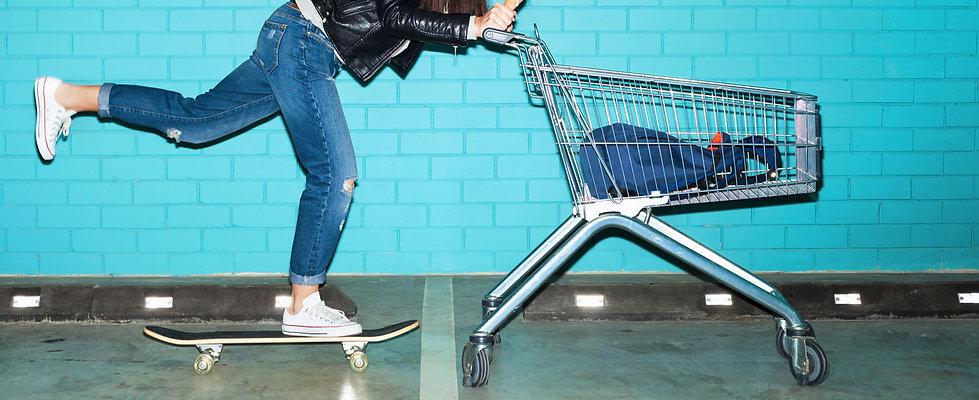 여성 스케이트 보드 쇼핑
