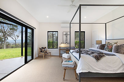 Barefoot at Broke - Main Bedroom