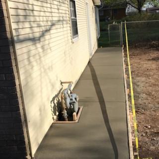 Concrete Sidewalk Repair Diamond Concrete in Hinsdale IL.