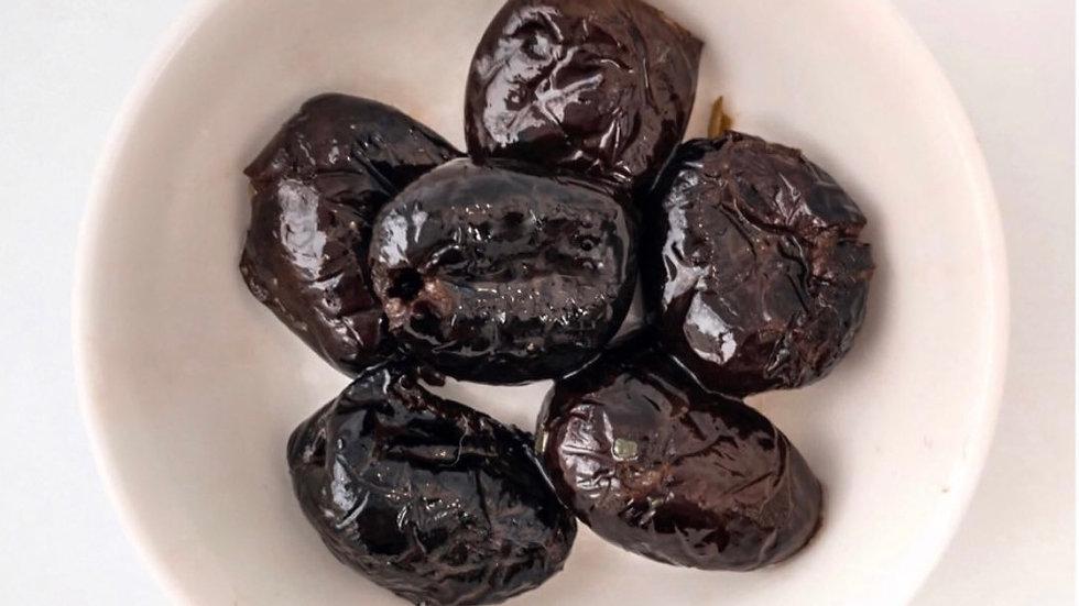 Сушеные слегка горьковатые маслины