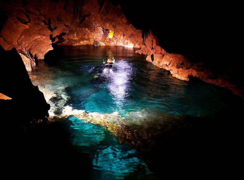 Cave diving.  Cave diving trainning and trips in Greece. Athens extreme sports