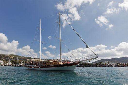 gullet motor sail cruises - athens extre