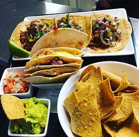 fajitas, tacos, totopos, nachos, mexikanisch