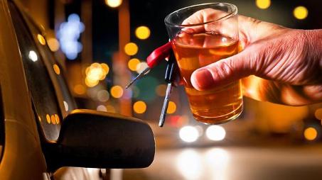 Accident sous l'emprise de l'alcool ou de stupéfiants : quel impact sur l'assurance ?