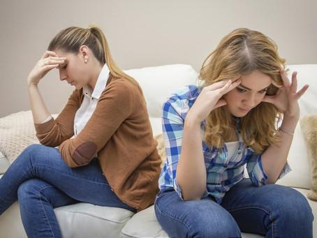 Mi adolescente dejó de hablarme. ¿Debería preocuparme?