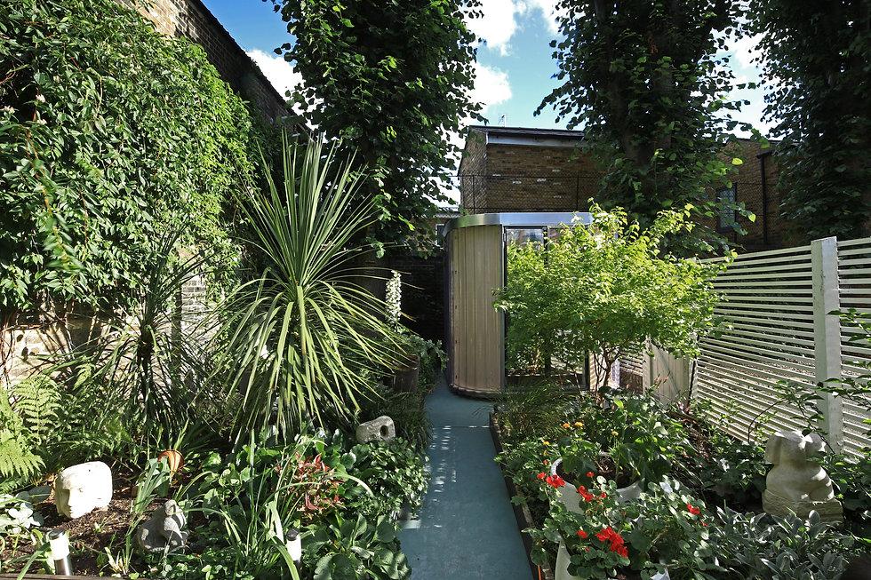 MRITG_2400x2400_Garden pod2.JPG
