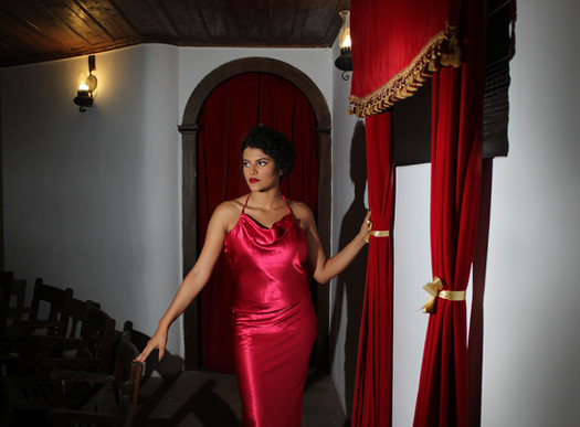 Moda e Cinema: O glamour do Moulin Rouge no Teatro Minerva