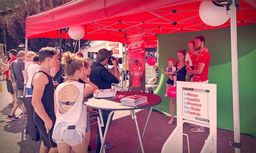 Stand au Fan Day du Standard de Liège by studiomaybe pour Sud Press