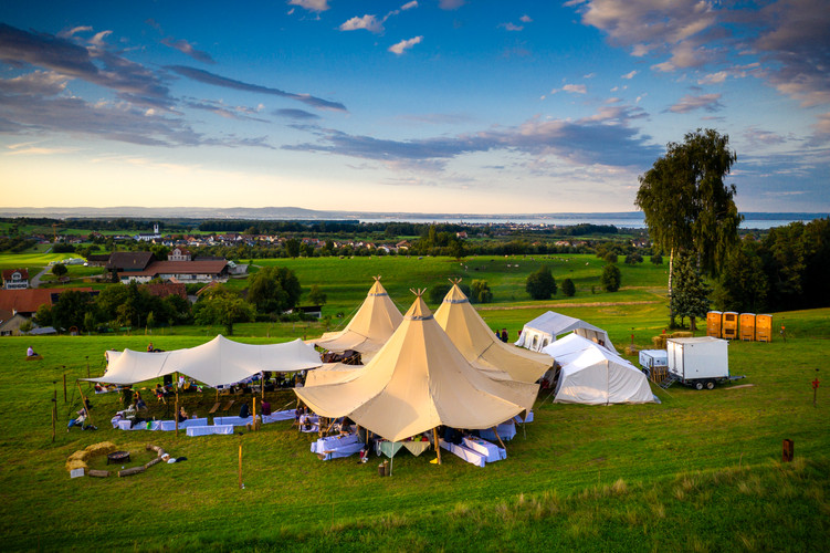 Riesenhut-Tipi vermietet an Hochzeit in St.Gallen
