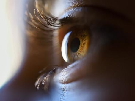 Transite o seu olhar de forma intermitente e relaxada