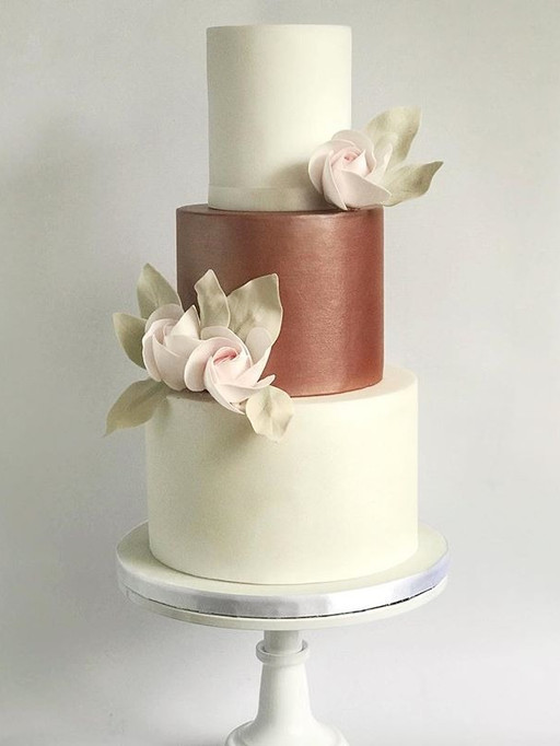 Another one of my display cakes. Rose go