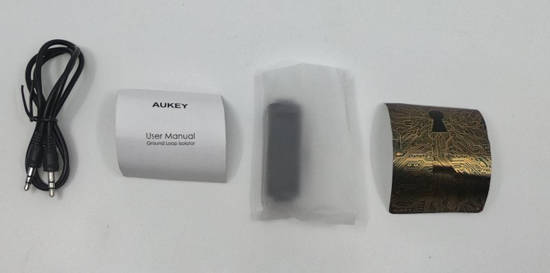Aukey ground loop isolator package contents