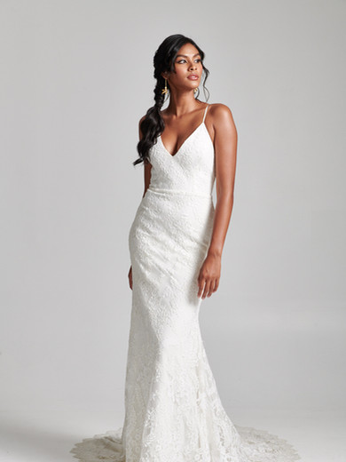 Style: Marni  Marni is feminine and super flattering. Cut in an exquisite corded Lace, with stretch Satin linings (sexy yet comfy!), and a fit-to-flare silhouette with a gorgeous train, this gown is supportive and sculpting. Can be customized with scallop lace detailing around the neck and/or straps.  Available sizes: 00-30