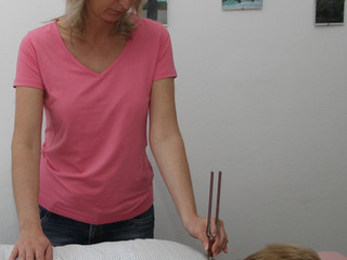 Fonoforéza - práce s terapeutickými ladičkami