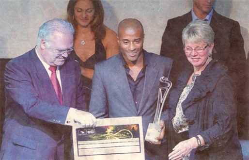 12th ENGSO Forum - ENGSO President Ms.Birgitta Kervinen and awarded athlete Nelson vora, Olympic Winner 2008 in triple jump at the Sports Gala in Estoril