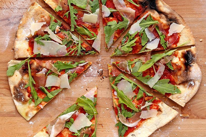 Homemade%20Pizza%20_edited.jpg