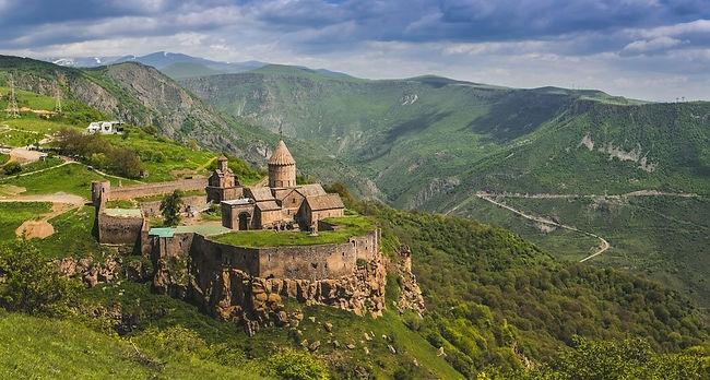 El-Monasterio-de-Tatev.jpg