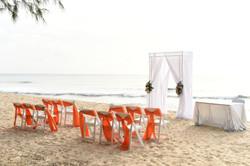 Bright beach set up