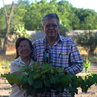 Chava y Juany Martínez