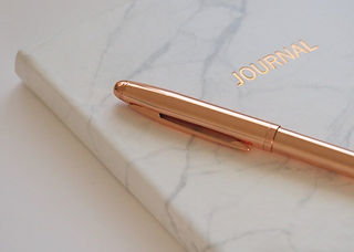 gold-pen-on-journal-book-745760.jpg
