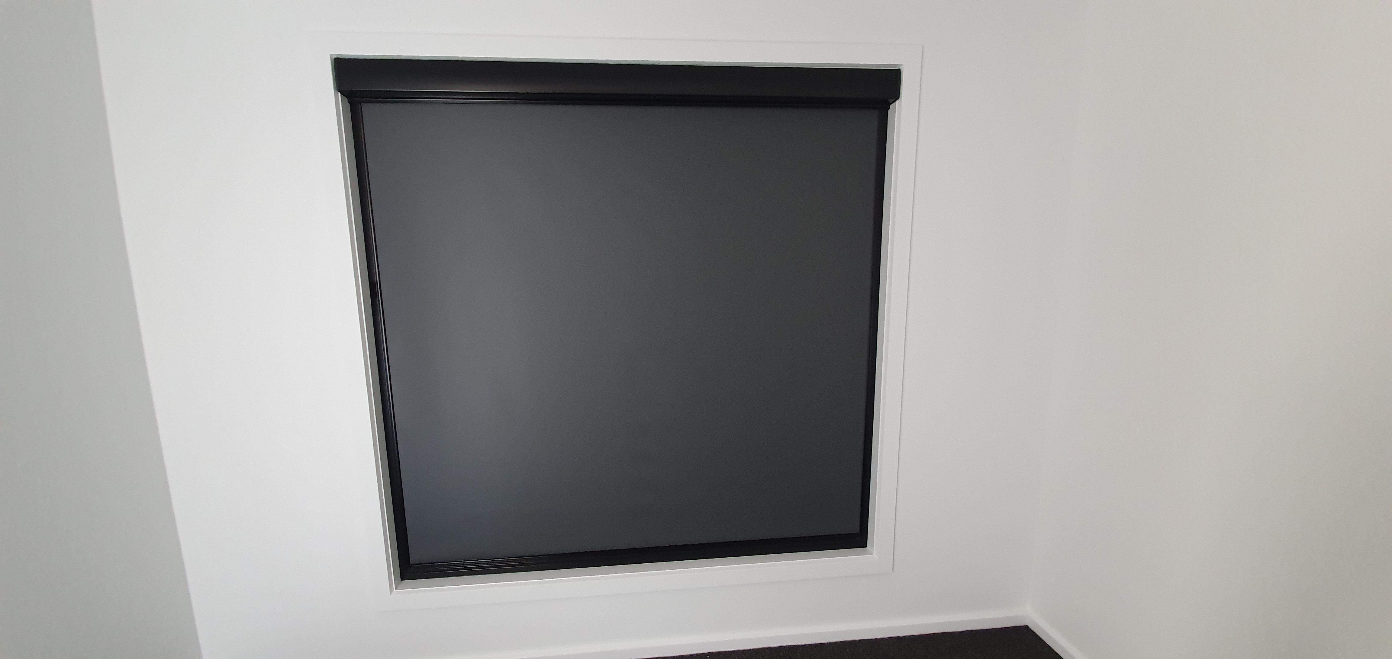 Ziptrak® Interior Roller blind full bock