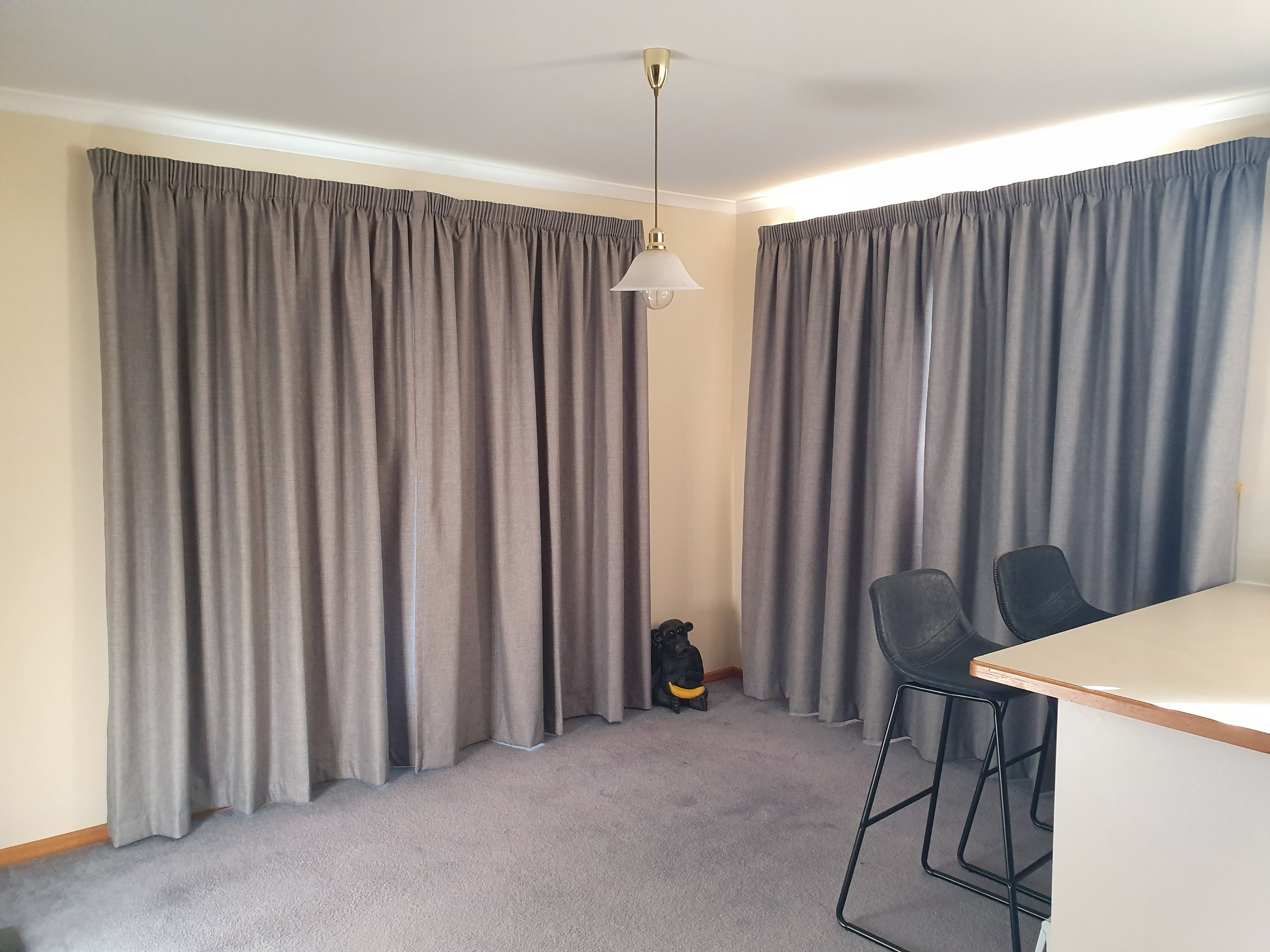 Block out coated pencil pleat curtains o