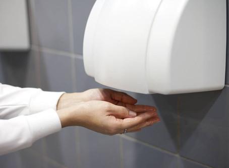 ¿Sabías que hay 1000 veces más microorganismos en secadores de manos de aire que toallas de papel?