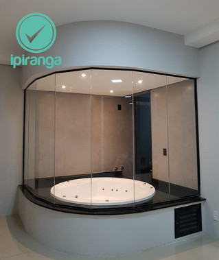 Isolamento em vidro para banheira.
