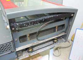 塩ビ素材を加工したレーザーのメンテナンス