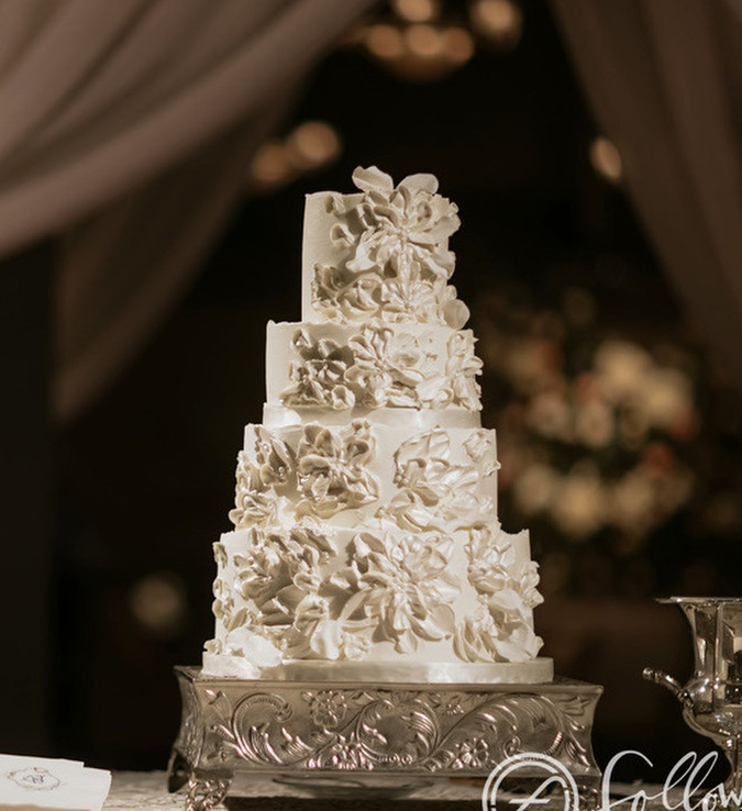 sculpted painted buttercream flowers wed